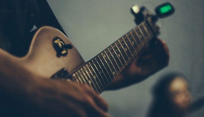 как настроить гитару фото