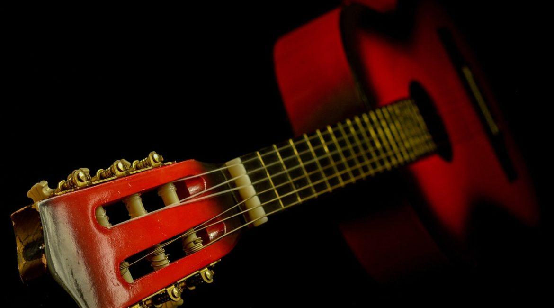 как ухаживать за гитарой фото